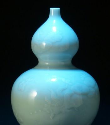 清 雍正 粉青釉鱼藻纹葫芦瓶 纽约佳士得拍品