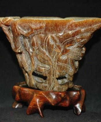 犀角-雕玉兰花草纹爵杯