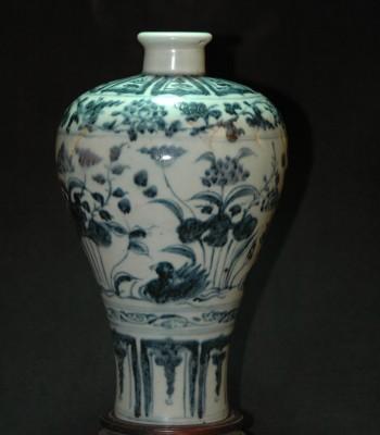 元青花 鸳鸯水草纹梅瓶