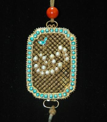 清宫造办处 金镶珠石缧丝香囊