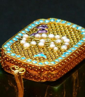 清宫造办处-金镶珠石缧丝香囊