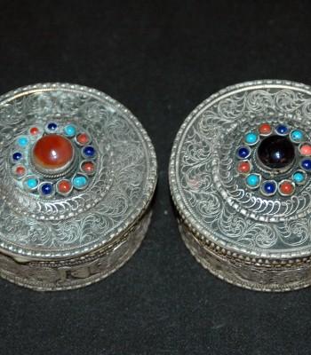 镶宝石波斯银首饰盒