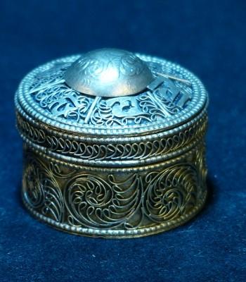 银缧丝小银盒