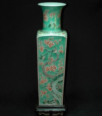 康熙-树叶款-梅花雀鸟山石纹大瓷瓶
