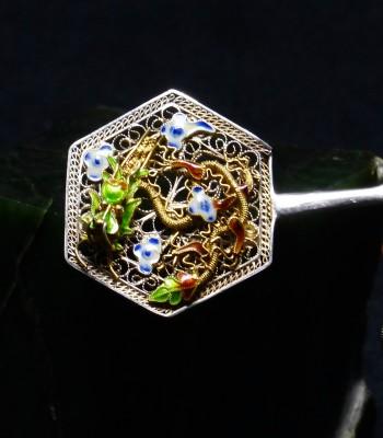缧丝金龙珐琅彩扇形胸针