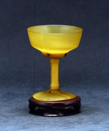 犀角高脚酒杯